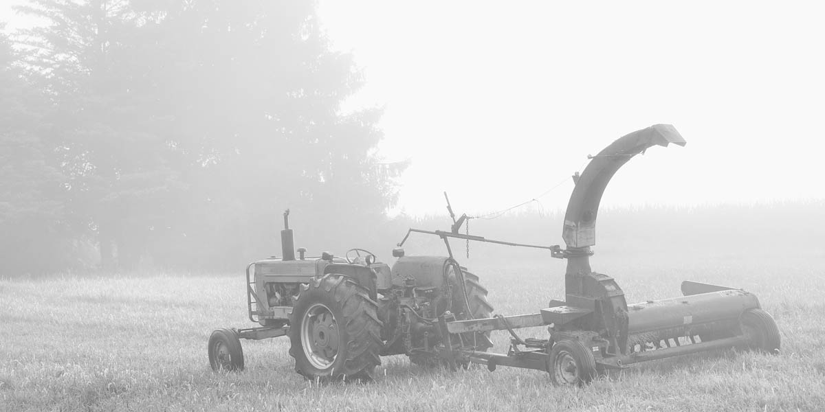 Tractor, Fog